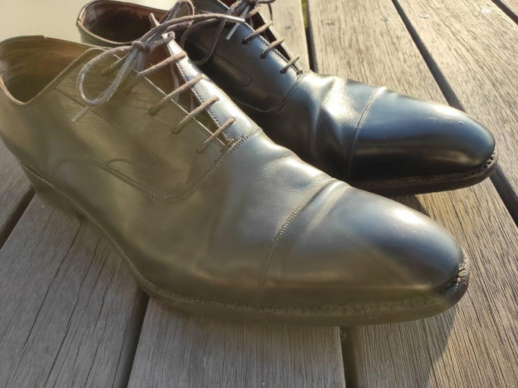汚れている靴2