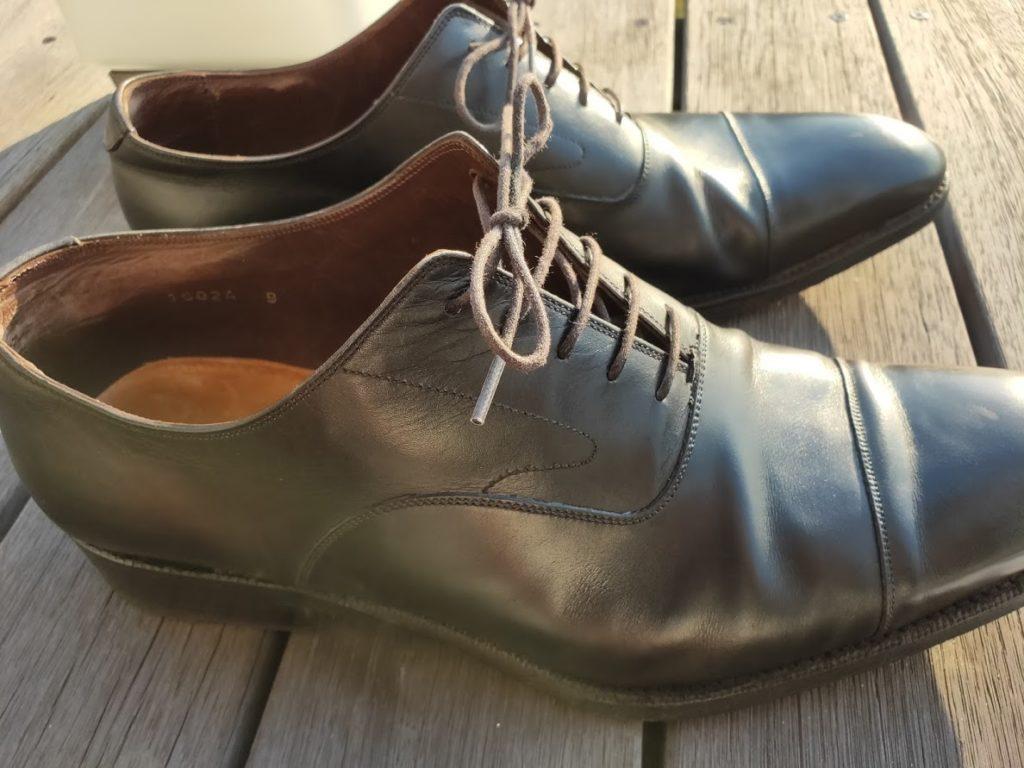 ミンクオイルを靴に塗る1