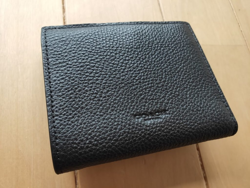 コーチの折りたたみ財布の後ろ側