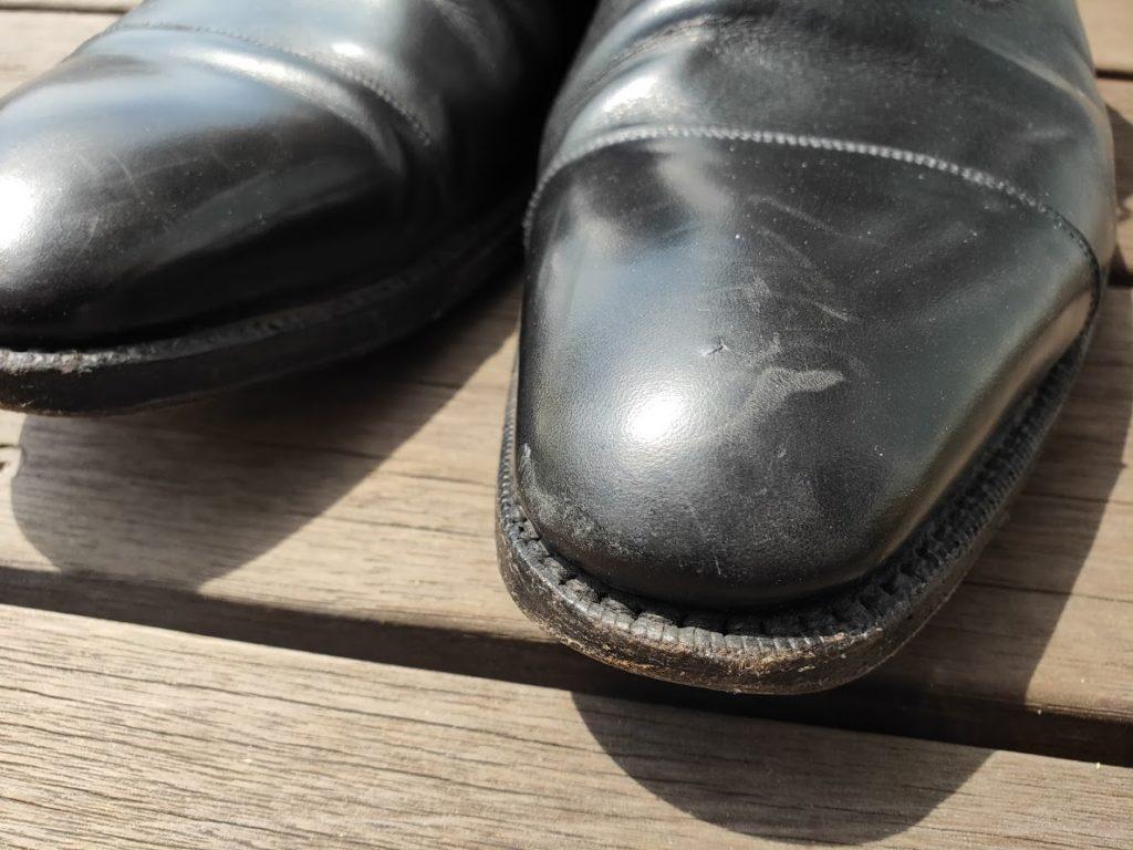 革靴の前の傷2