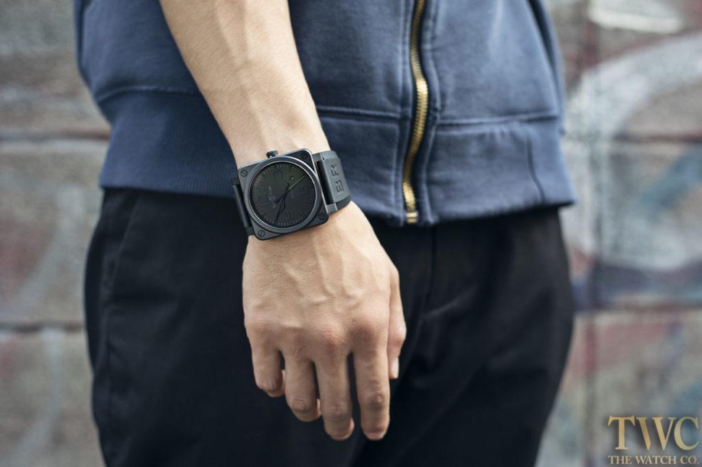 ベルロスの時計と男性