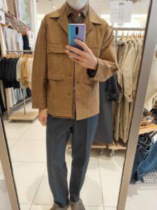 2021年春夏ユニクロUジャージーシャツジャケットのブラウンM前