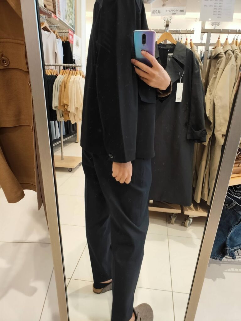 2021年春夏ユニクロUジャージーシャツジャケットのブラックM後ろ