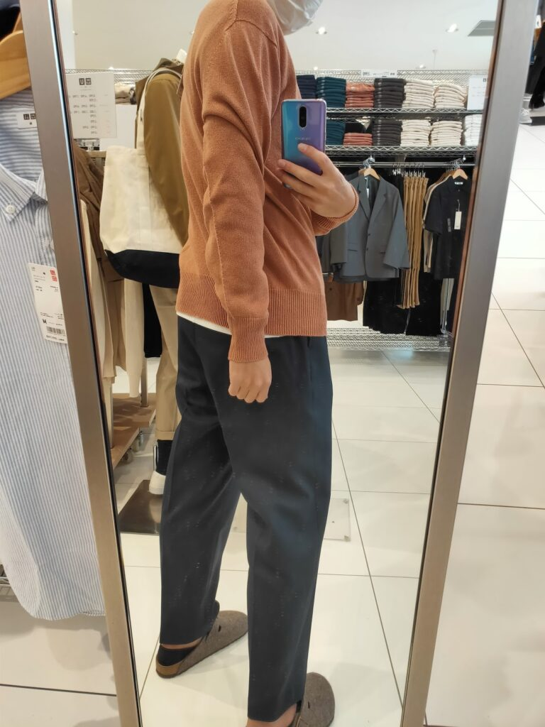 2021年春夏ユニクロU3DクルーネックセーターのオレンジL後ろ