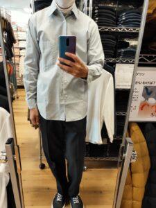2021年春夏ユニクロUレギュラーフィットシャツのブルーM前