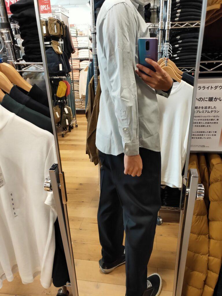 2021年春夏ユニクロUレギュラーフィットシャツのブルーM後ろ