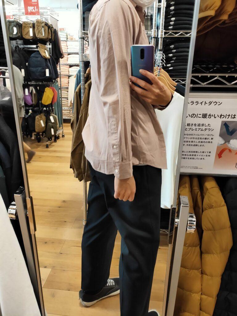 2021年春夏ユニクロUレギュラーフィットシャツのピンクM後ろ