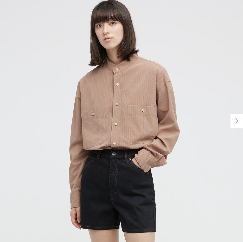 2021年春夏ユニクロUワイドフィットスタンドカラーストライプシャツのモデル2