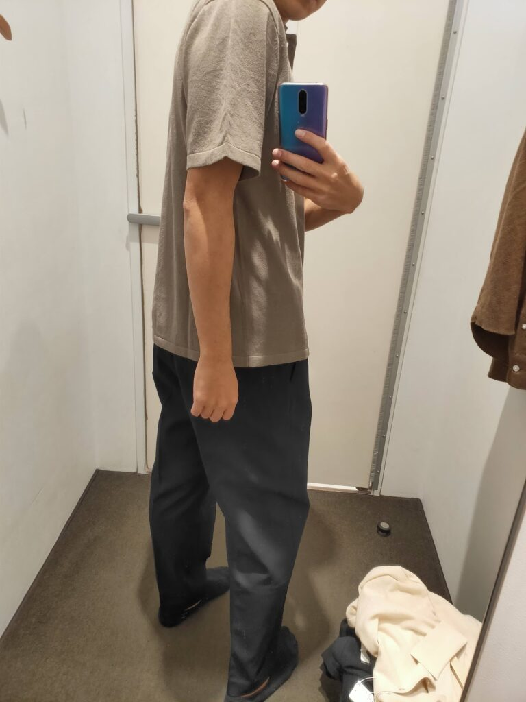 2021年春夏ユニクロUファインゲージポロシャツのオリーブM後ろ