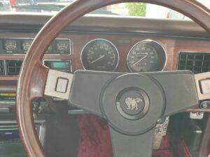 いすゞ117クーペとファッション11