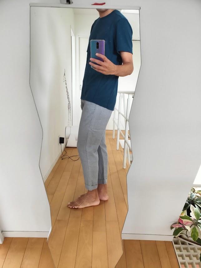 o5proのTシャツコーデアンクルパンツ横